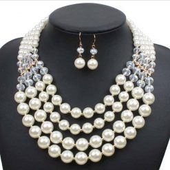 Collar de perlas de vidrio